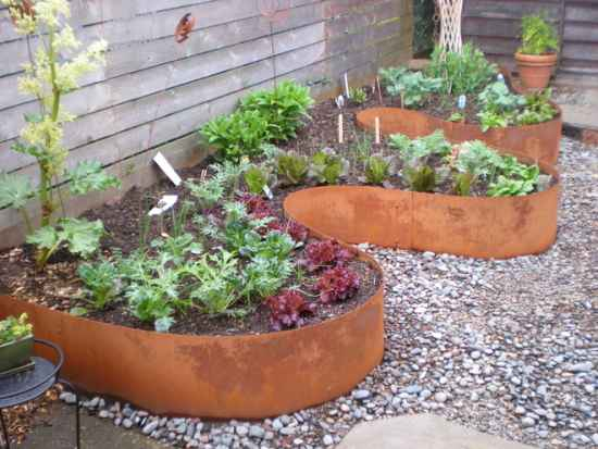 10-gardening-bed-edging-ideas-that-are-easy-to-do