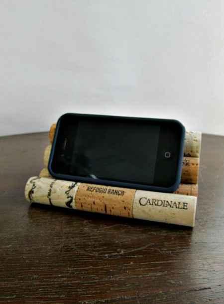 12-new-and-brilliant-ways-to-repurpose-old-wine-corks