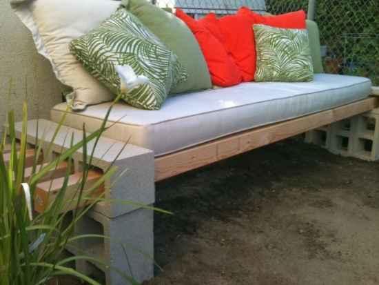 13-diy-impressive-garden-benches