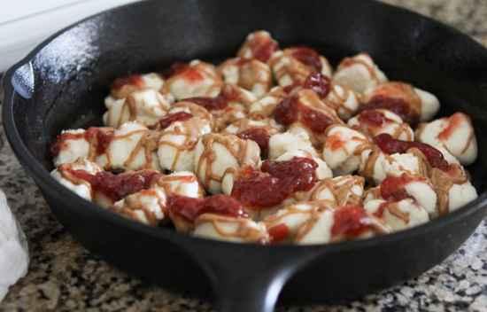13-incredible-cast-iron-skillet-dessert-recipes