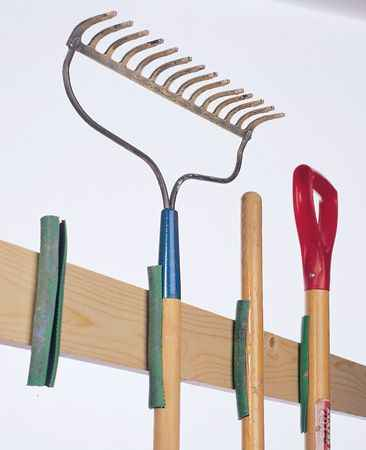 17-creative-ways-to-store-shovels-rakes-and-vetical-gear