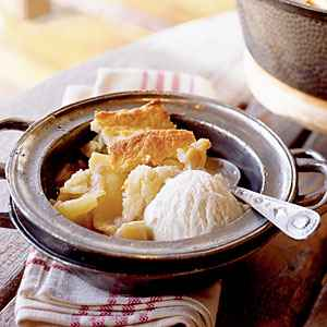 17-incredible-cast-iron-skillet-dessert-recipes