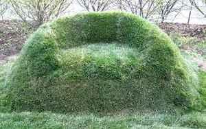 4-diy-impressive-garden-benches