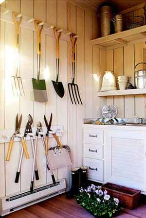 8-creative-ways-to-store-shovels-rakes-and-vetical-gear