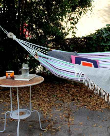 10-diy-hammocks-and-hammock-stands-for-total-relaxation