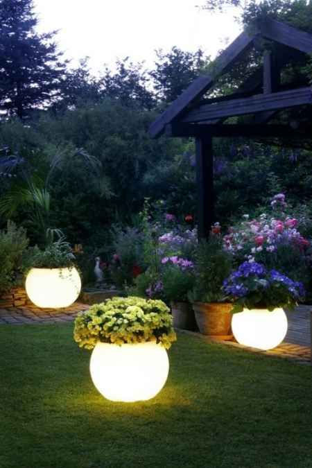 13-diy-garden-lighting-projects-to-illuminate-your-homestead