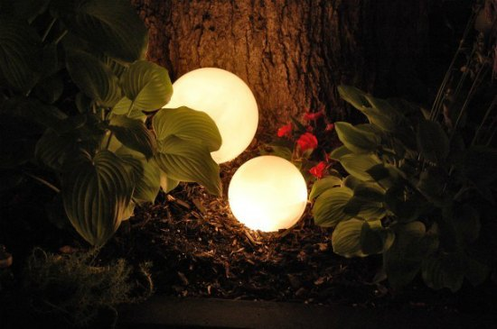 15-diy-garden-lighting-projects-to-illuminate-your-homestead