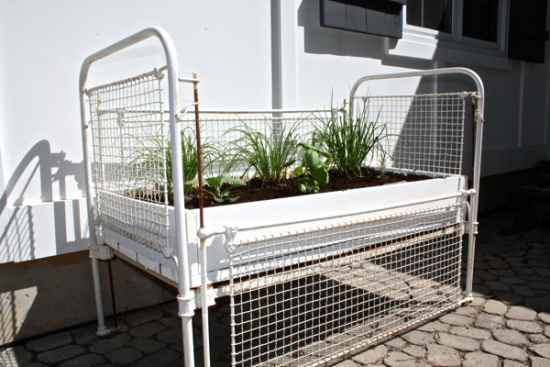 19 Genius Ways To Repurpose Old Cribs For Your Home