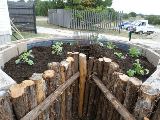 build-a-keyhole-garden