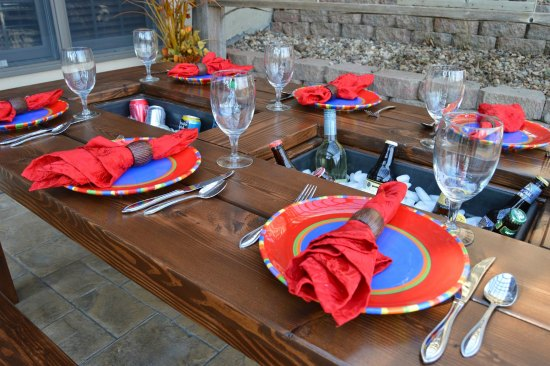 diy-outdoor-dining-room-tables