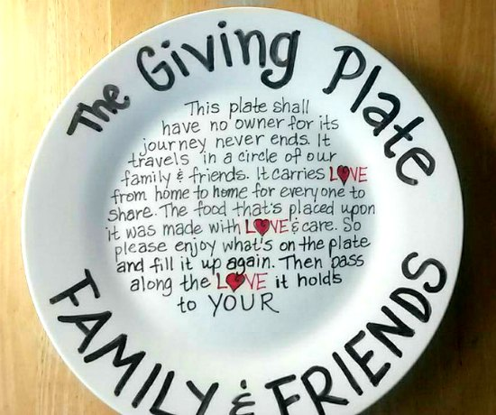 This giving plate is just one of many holiday gift ideas.